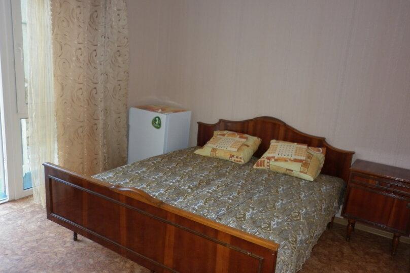 Четырёхместный номер со всеми удобствами, Кооперативная улица, 23, Черноморское - Фотография 1