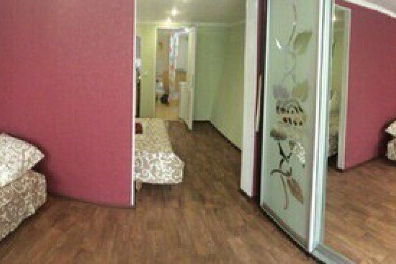 """Двухкомнатный одноэтажный дом"""" Елена"""" у моря с отдельным двором и всеми удобствами!!, 1000 кв.м. на 4 человека, 2 спальни, Ленина, 43-а, Алушта - Фотография 2"""