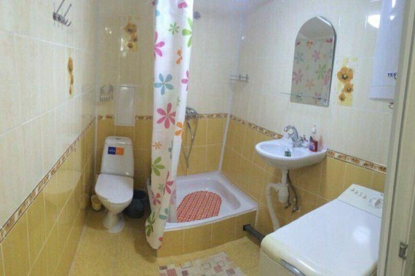 """Двухкомнатный одноэтажный дом"""" Елена"""" у моря с отдельным двором и всеми удобствами!!, 1000 кв.м. на 4 человека, 2 спальни, Ленина, 43-а, Алушта - Фотография 3"""