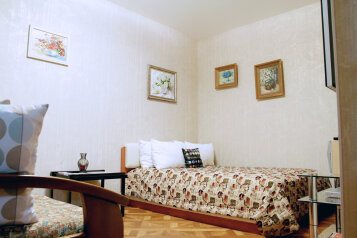 1-комн. квартира, 35 кв.м. на 3 человека, Полтавский проезд, метро Восстания пл., Санкт-Петербург - Фотография 1