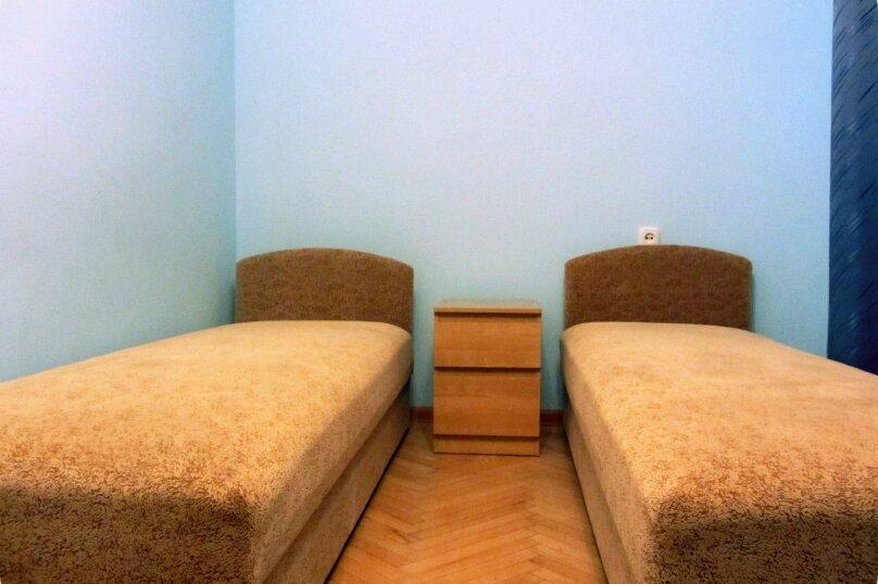 """Гостевой дом """"На Жуковского 6"""", улица Жуковского, 6 на 3 комнаты - Фотография 2"""