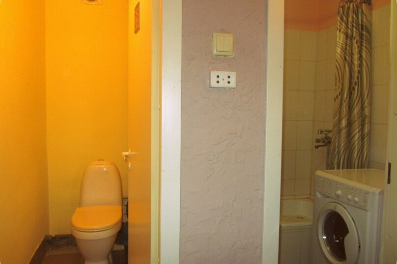 """Гостевой дом """"На Жуковского 6"""", улица Жуковского, 6 на 3 комнаты - Фотография 4"""