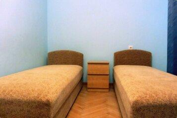 """Гостевой дом """"На Жуковского 6"""", улица Жуковского, 6 на 3 комнаты - Фотография 1"""
