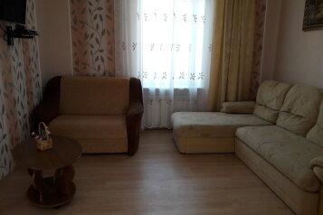 Дом на берегу моря, 70 кв.м. на 8 человек, 3 спальни, улица Революции, Евпатория - Фотография 1