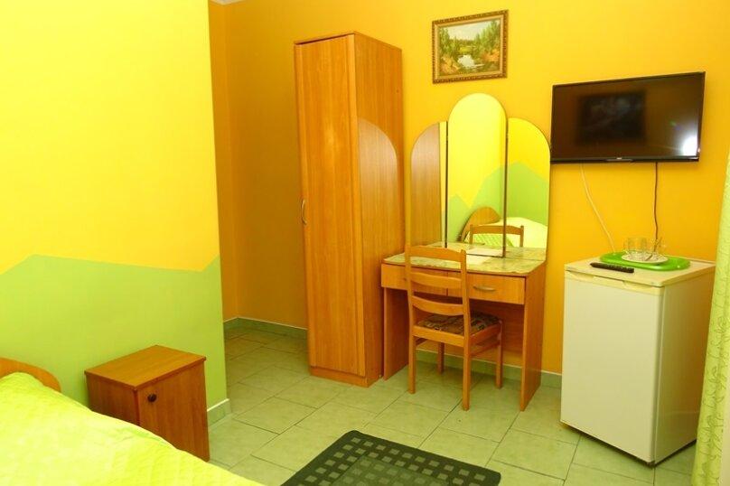 """Двухместный номер """"комфорт"""" с одной кроватью, улица Чкалова, 3В, Адлер - Фотография 5"""