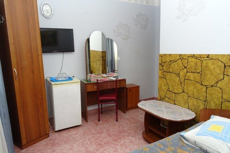"""Двухместный номер """"комфорт"""" с одной кроватью, улица Чкалова, 3В, Адлер - Фотография 7"""