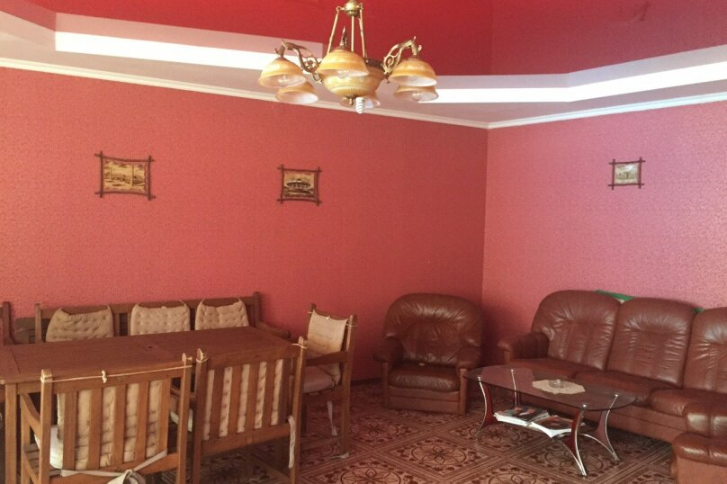 """Гостевой дом """"Катрин"""", маратовская, 65 г на 8 комнат - Фотография 1"""