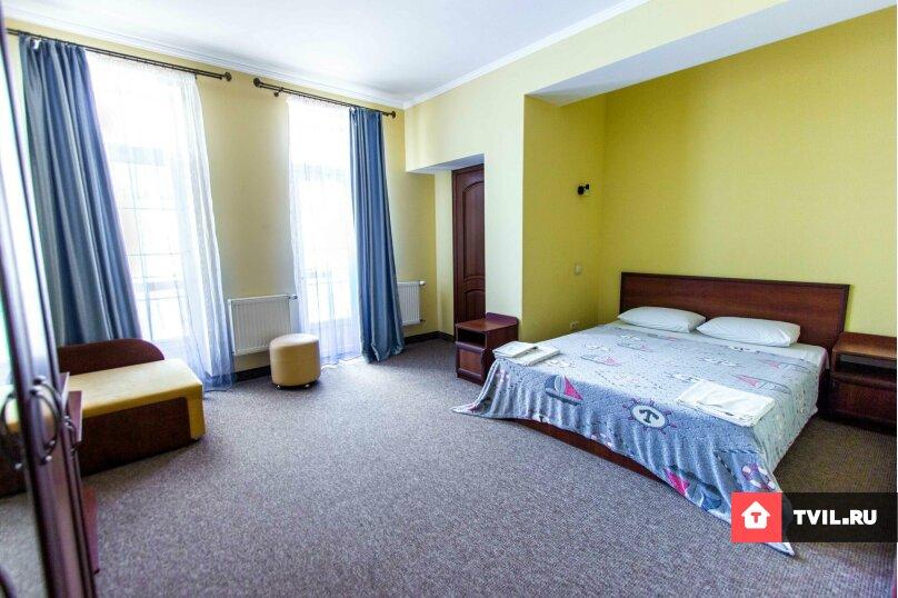 Люкс 2х комнатный семейный, 5-ти местный + 1 доп. место. , Адмиральская улица, 12, Судак - Фотография 1