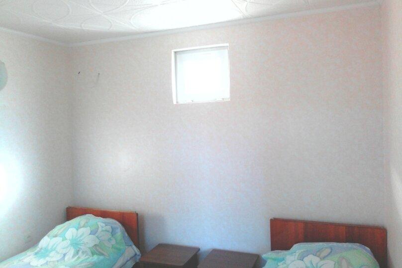 Дом, 30 кв.м. на 4 человека, 2 спальни, улица мартынова, 35, Морское - Фотография 10