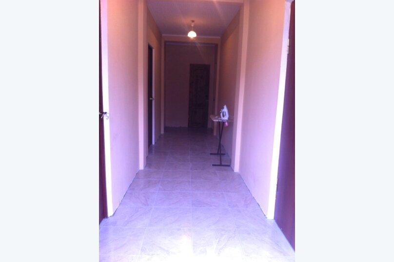 комнаты с вентилятором в новом доме на первом этаже, сухумское шоссе, 174, Новый Афон - Фотография 2