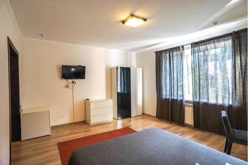 Гостевой дом Лорис, улица Калинина, 22 на 8 комнат - Фотография 41