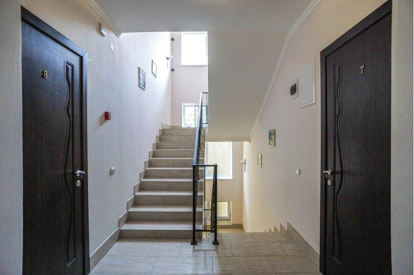 Гостевой дом Лорис, улица Калинина, 22 на 8 комнат - Фотография 22