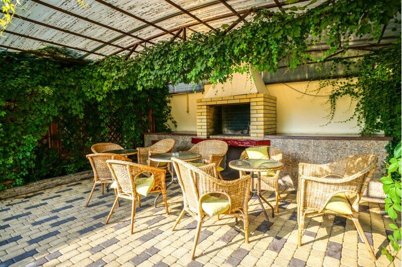 Гостевой дом Лорис, улица Калинина, 22 на 8 комнат - Фотография 11