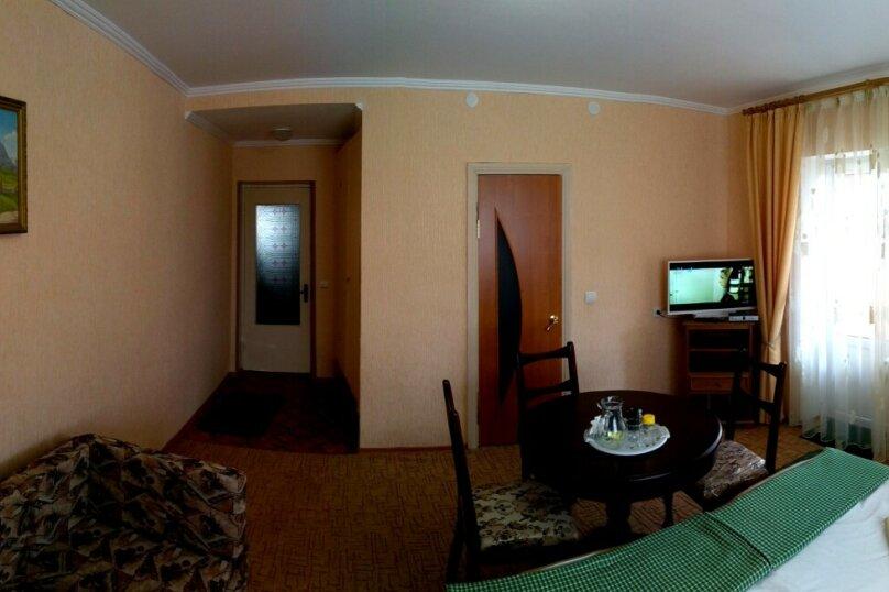 """Гостевой дом """"Чёрное море"""", Санаторный переулок, 6 на 3 комнаты - Фотография 11"""
