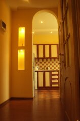1-комн. квартира, 32 кв.м. на 3 человека, улица Багликова, Алушта - Фотография 1