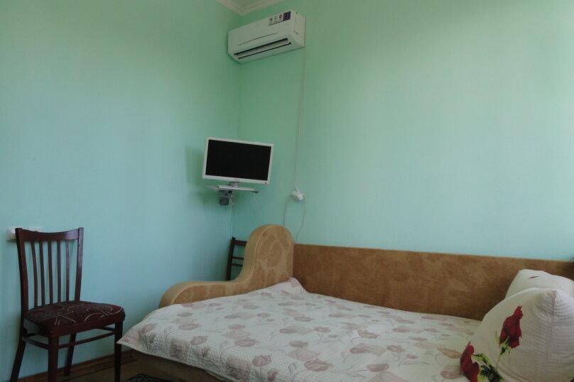№5 расположен на 2-м этаже с общим просторным  балконом для №5 и №6., улица Васильченко, 7, Симеиз - Фотография 1