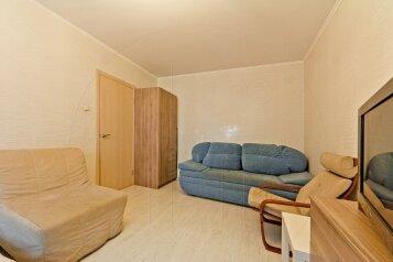 1-комн. квартира, 34 кв.м. на 5 человек, проспект Большевиков, Санкт-Петербург - Фотография 2