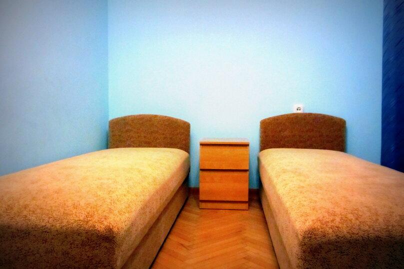 """Гостевой дом """"На Жуковского 6"""", улица Жуковского, 6 на 3 комнаты - Фотография 16"""