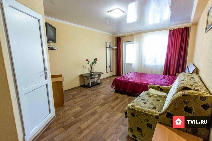 Четырёх местный номер с удобствами на 1-2  этаже, улица Юнус Кандым, 9, Судак - Фотография 1