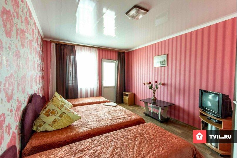 Четырёх местный номер с удобствами на 3-4 этаже, улица Юнус Кандым, 9, Судак - Фотография 1