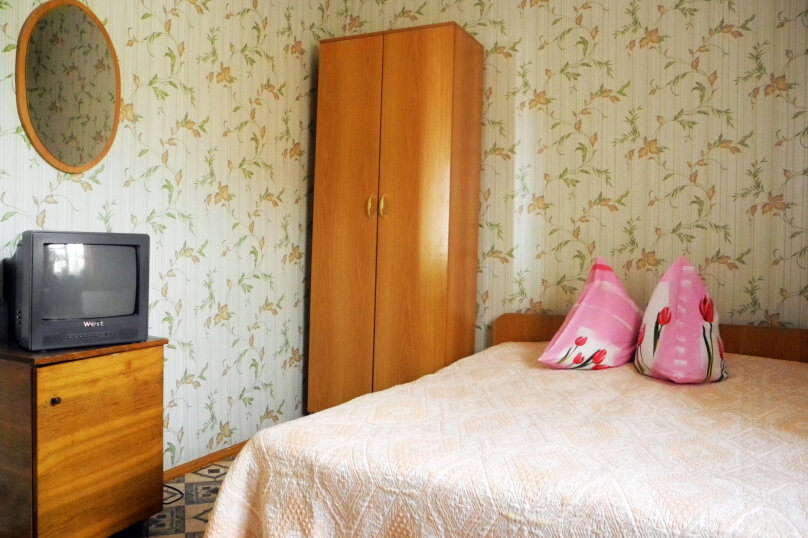 """Гостевой дом """"У Елены"""", Лучистая, 1г на 7 комнат - Фотография 41"""