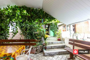Гостевой дом, Виноградная улица на 7 номеров - Фотография 1
