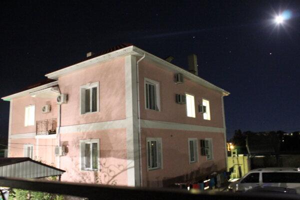Мини-отель, пер.Пихтовый, 19 на 12 номеров - Фотография 1