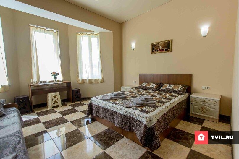Мебелированная комната с террасой (2 - 4 местный), Сурожская улица, 23, Судак - Фотография 1