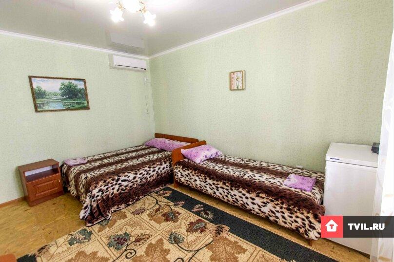 Стандартный номер со всеми условиями 2 этаж, Академика Сахарова, 35, Судак - Фотография 1