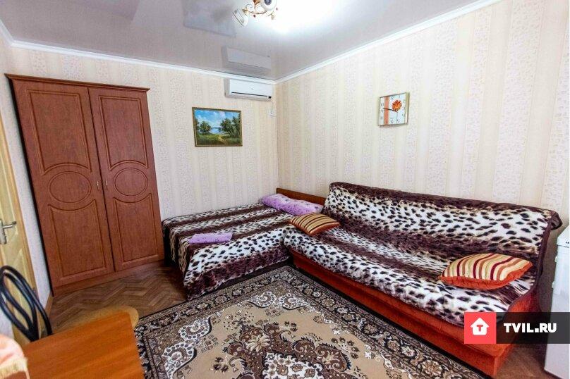 Стандартный номер со всеми условиями. 1  этаж, Академика Сахарова, 35, Судак - Фотография 1