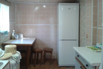 Дом двухкомнатный, 25 кв.м. на 5 человек, 2 спальни, улица Луначарского, Геленджик - Фотография 3
