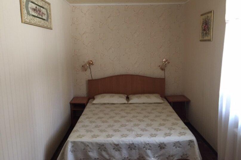 2-комн. квартира, 35 кв.м. на 5 человек, К. Маркса, 11, Ялта - Фотография 1