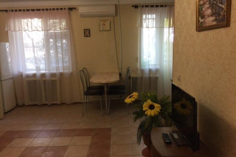 2-комн. квартира, 35 кв.м. на 5 человек, К. Маркса, 11, Ялта - Фотография 5