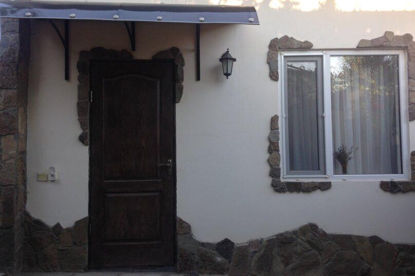Домик у моря, 16 кв.м. на 2 человека, 1 спальня, улица Истрашкина, 10Б, Уютное, Судак - Фотография 2