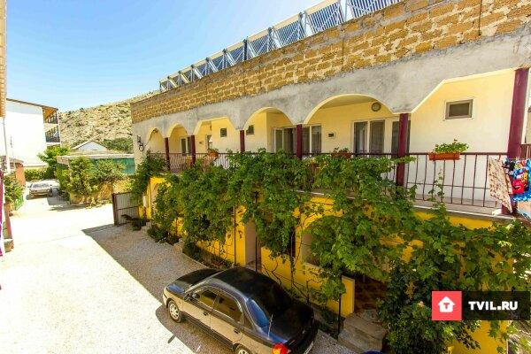 Гостевой дом, улица Султана Амет-Хана, 9 на 18 номеров - Фотография 1