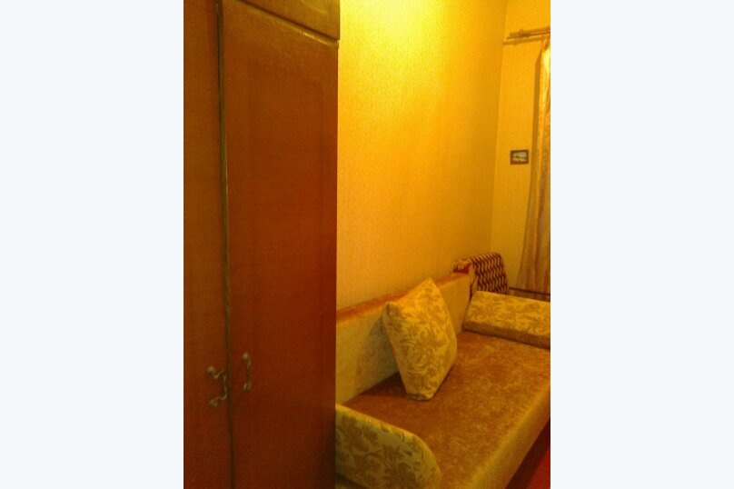 2-комн. квартира, 78 кв.м. на 6 человек, Беломорский переулок, 8, Динамо, Феодосия - Фотография 3