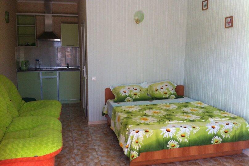 Номер с кухней салатовый, улица Ленина, 142, Коктебель - Фотография 1