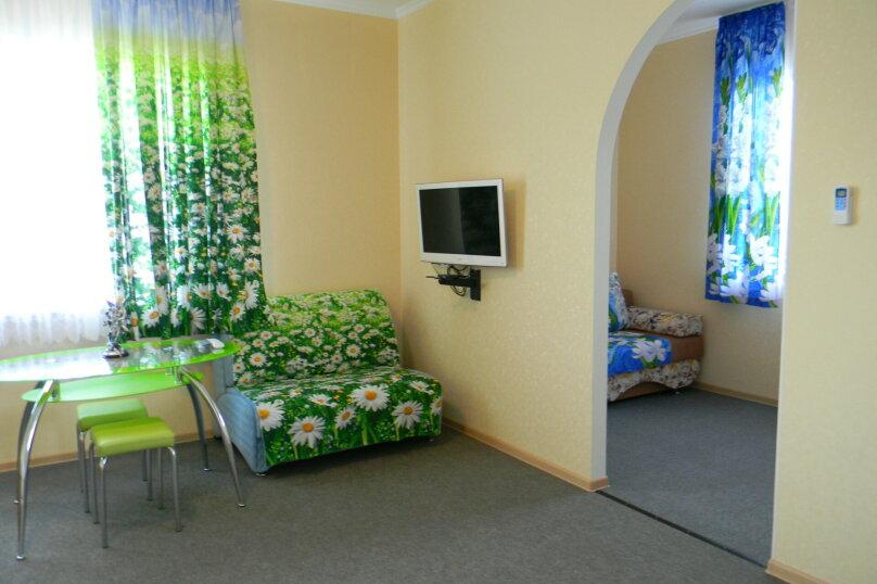 """Гостевой дом """"На Ленина 142"""", улица Ленина, 142 на 7 комнат - Фотография 26"""