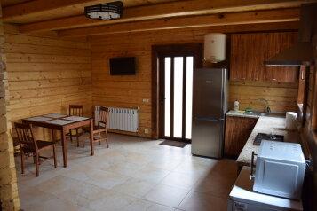 Дом-сруб в 200м от моря в панорамном месте, 60 кв.м. на 4 человека, 2 спальни, переулок Пограничный, 2, Алушта - Фотография 2