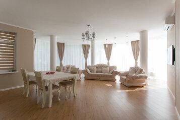3-комн. квартира, 138 кв.м. на 4 человека, набережная Пушкина , 5д, Гурзуф - Фотография 1