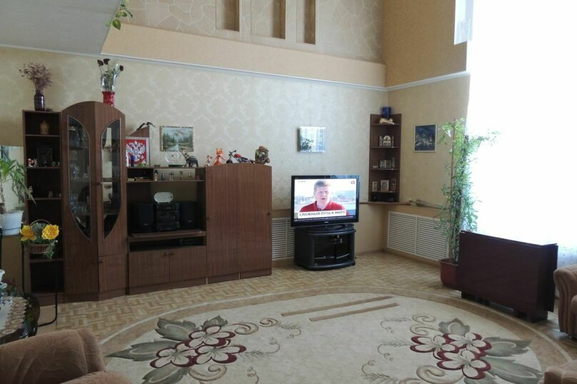 Дом, 200 кв.м. на 18 человек, 5 спален, Комсомольская улица, 15, Яровое - Фотография 2