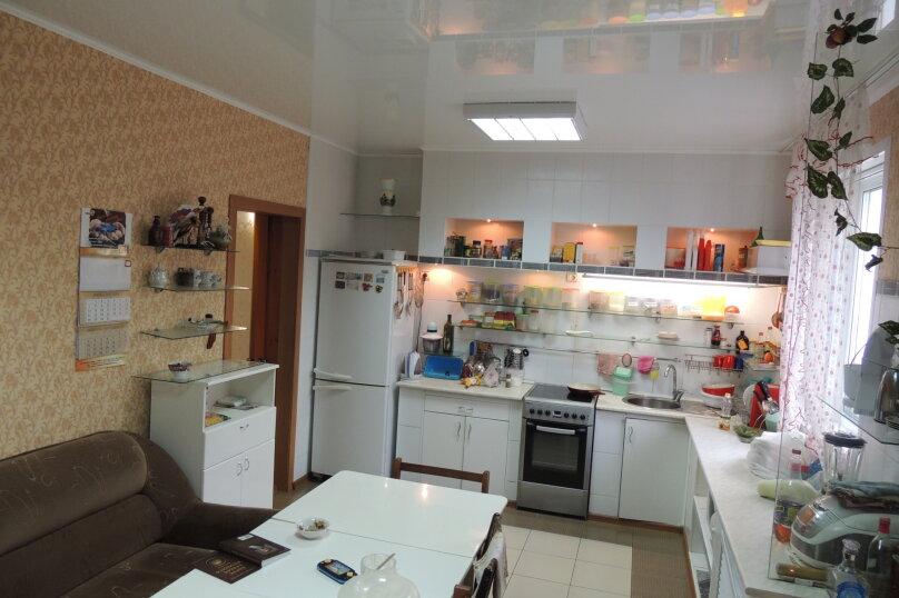 Дом, 200 кв.м. на 18 человек, 5 спален, Комсомольская улица, 15, Яровое - Фотография 9