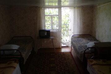 Мансарда эконом:  Номер, Эконом, 4-местный, 1-комнатный, Гостевой дом , Морская, 4Б на 9 номеров - Фотография 4