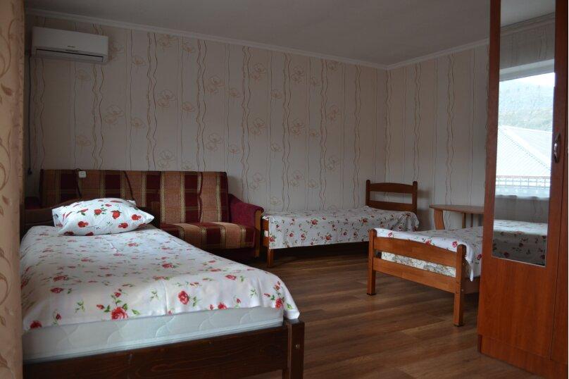 """Гостевой дом """"На Суворова 23"""", улица Суворова, 23 на 7 комнат - Фотография 15"""