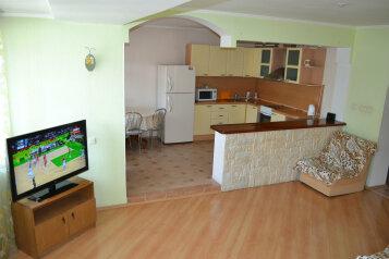 2-комн. квартира, 62 кв.м. на 4 человека, проезд Белинского, Томск - Фотография 1
