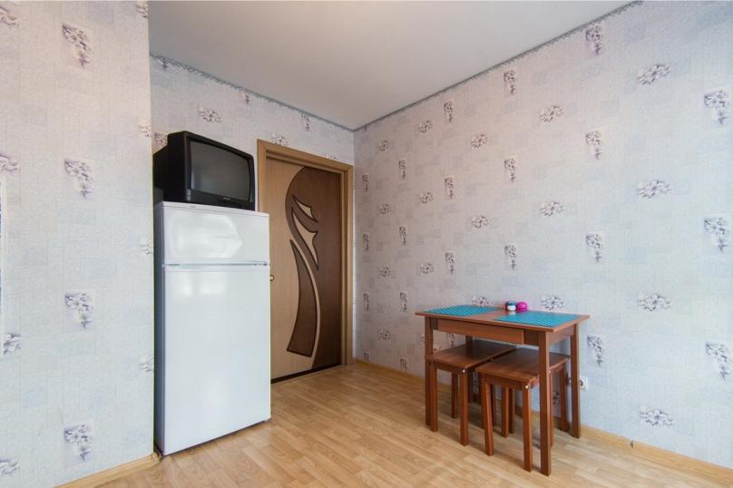 1-комн. квартира, 45 кв.м. на 5 человек, улица Ленина, 80, Пермь - Фотография 11