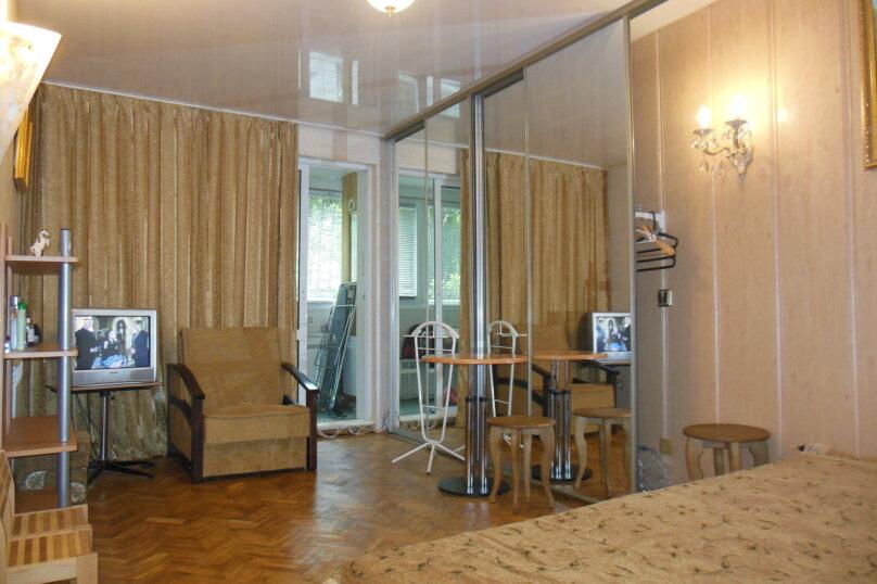 2-комн. квартира, 50 кв.м. на 4 человека, октябрьская, 31, Алушта - Фотография 1