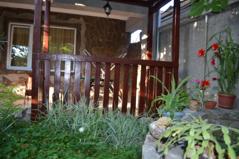 """Гостевой дом """"Уютный дворик"""", Береговая, 4 на 4 комнаты - Фотография 11"""