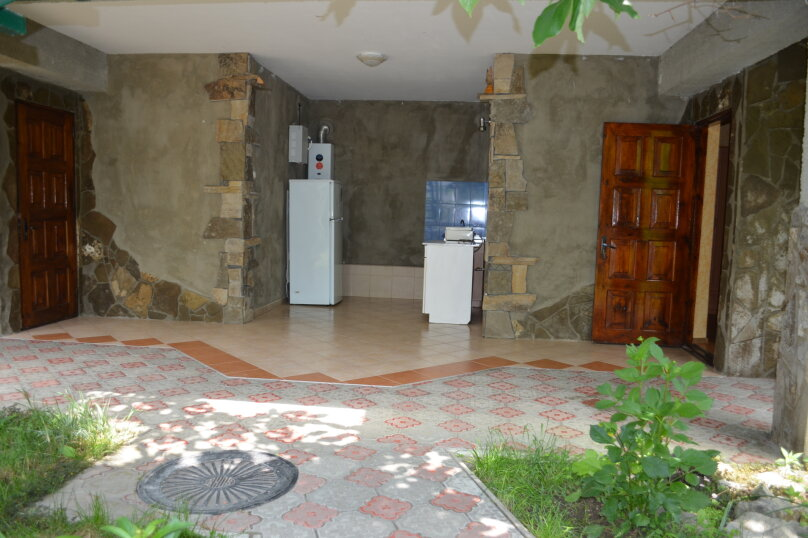 """Гостевой дом """"Уютный дворик"""", Береговая, 4 на 4 комнаты - Фотография 19"""