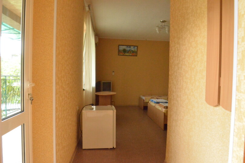 """Гостевой дом """"Уютный дворик"""", Береговая, 4 на 4 комнаты - Фотография 23"""